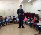上海民警为幼儿园小朋友讲授开学第一课:对不舒服的触碰说不