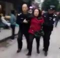 重庆巴南区鱼洞新世纪幼儿园门口14名园外做操幼童被砍伤